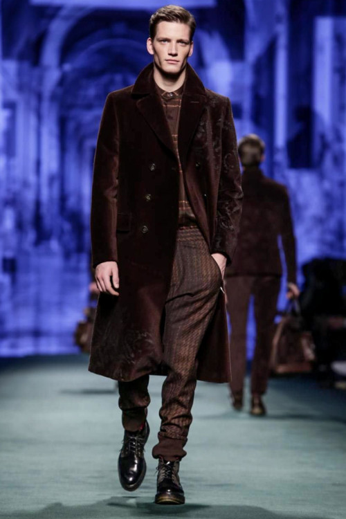 Etro Menswear Fall Winter 2015 in Milan