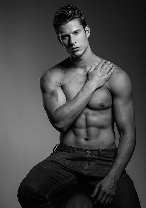 Eian Scully by Harol Baez