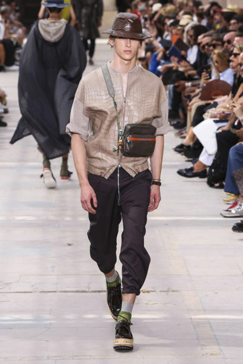 51690a2bacb5 Louis Vuitton Menswear Spring Summer 2018 Collection in Paris - Soul ...